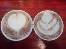 Morgonkaffe och varm choklad arkivfoto