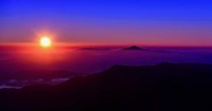 Morgonljus på berget Royaltyfri Fotografi
