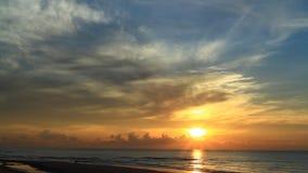 Morgonljus på stranden lager videofilmer