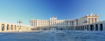Morgonljus på verkliga Palacio, Madrid Fotografering för Bildbyråer