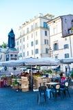 Morgonmarknad i Rome, Italien royaltyfri foto
