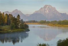 Morgonreflexioner på Snake River, Teton nationalpark, Wyoming Arkivfoton