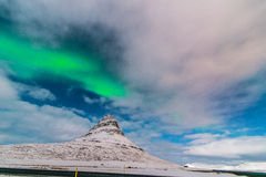 Morgonrodnad ovanför Kirkjufell Grundarfjörður Icelan Royaltyfria Bilder