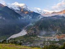 Morgonsikt av Annapurna arkivfoto