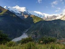 Morgonsikt av Annapurna royaltyfri bild