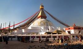 Morgonsikt av den Bodhnath stupaen, i Katmandu Arkivbild