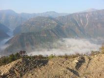 Morgonsikt av Uttarakhand berg Fotografering för Bildbyråer