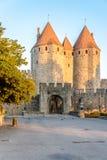 Morgonsikt på den Narbonnaise porten i Carcassonne Royaltyfria Foton