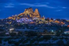 Morgonskymning i felika lampglas av den Goreme dalen Cappadocia Royaltyfri Foto