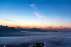 Morgonsolen med moln Royaltyfri Foto