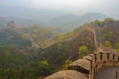 Morgonstillhet - den stora väggen av Kina på Badaling nära Peking Royaltyfri Bild
