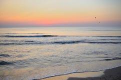 Morgontystnad på den rumänska stranden Royaltyfri Bild