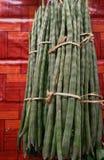 Moringa strąki w rynku robi kwaśnemu curry'emu Zdjęcia Stock