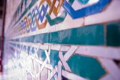 Moriska tegelplattapaterns av alcazaren arkivfoton