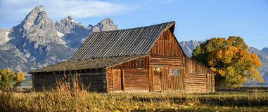 Mormon Row Barn at Sunrise Royalty Free Stock Images