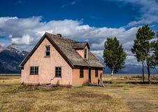 Mormonhus i den Teton nationalparken royaltyfri foto