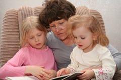 mormor Fotografering för Bildbyråer