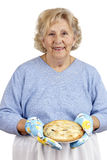 mormor som homecooking s Royaltyfria Foton