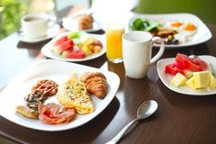Morning breakfast with omlet and coffee Royalty Free Stock Photography