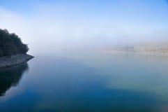 Morning fog, Ullibarri-Gamboa reservoir (Basque C Royalty Free Stock Photos