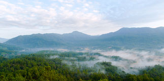 Morning mist and moutain landscape at maewang, Thailand Royalty Free Stock Photos