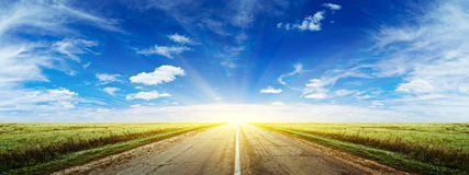 Free Morning Summer Road Panorama Royalty Free Stock Photos - 35862988