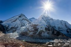 Morning sun above Mount Everest, lhotse and Nuptse Royalty Free Stock Images
