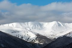 Morning winter mountain ridge Royalty Free Stock Photos