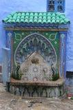 moroccan belagd med tegel townwell Royaltyfri Fotografi