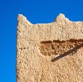 moroccan gammal vägg och tegelsten i antik stad Royaltyfria Bilder