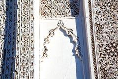 moroccan gammalt och tegelsten i antik stad Royaltyfria Foton