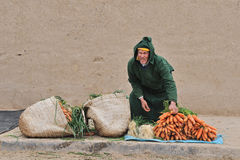 moroccan gatasäljare Arkivbild