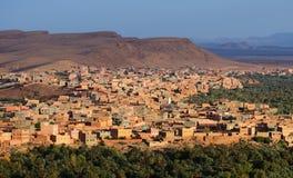 morocco Ville Tinghir dans les montagnes d'atlas Photographie stock libre de droits