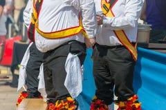 Morris-Tänzer mit dem Bierbauch lizenzfreie stockbilder