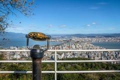 Morro a Dinamarca Cruz Viewpoint e opinião do centro da cidade de Florianopolis - Florianopolis, Santa Catarina, Brasil foto de stock royalty free
