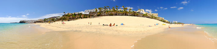 MORRO JABLE,费埃特文图拉岛,西班牙- 2017年6月14日:与联合国的海滩 库存图片