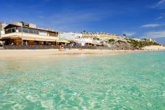 MORRO JABLE FUERTEVENTURA SPANIEN - OKTOBER 17 2017: Strand Playa del Matorral Arkivbild