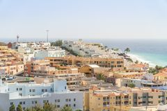 Morro Jable - a sud dell'isola di Fuerteventura dall'Oceano Atlantico, Spagna immagini stock libere da diritti