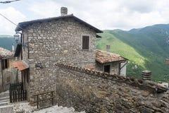 Morro Reatino, włoska wioska Zdjęcia Royalty Free