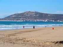 Morrocan strand i Agadir Arkivbild