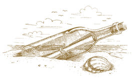 Morska butelka z wiadomością w piasku rysującym ręką Zdjęcie Royalty Free