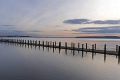 Morski Jeziorny drogi na grobli obraz stock