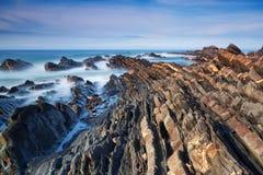 Morski skalisty brzeg ocean. Obrazy Royalty Free