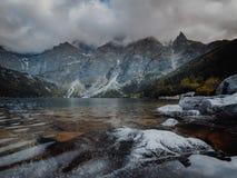 Morskie Oko jezioro w Tatrzańskich górach w Polska obraz royalty free