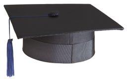 Mortarboard auf weißem Hintergrund Stockfotos