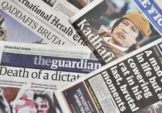 Morte de Gaddafi na imprensa Foto de Stock