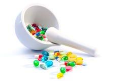 Mortel och pestle med pills Arkivbilder