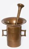 Mortero de cobre amarillo antiguo Imágenes de archivo libres de regalías