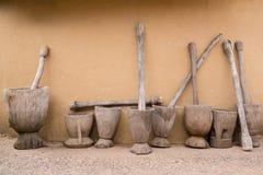 Mortero y maja de madera Foto de archivo libre de regalías