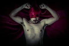 Morto, carnevale, Halloween, sangue, vampiro spaventoso e maschio con enorme Fotografie Stock